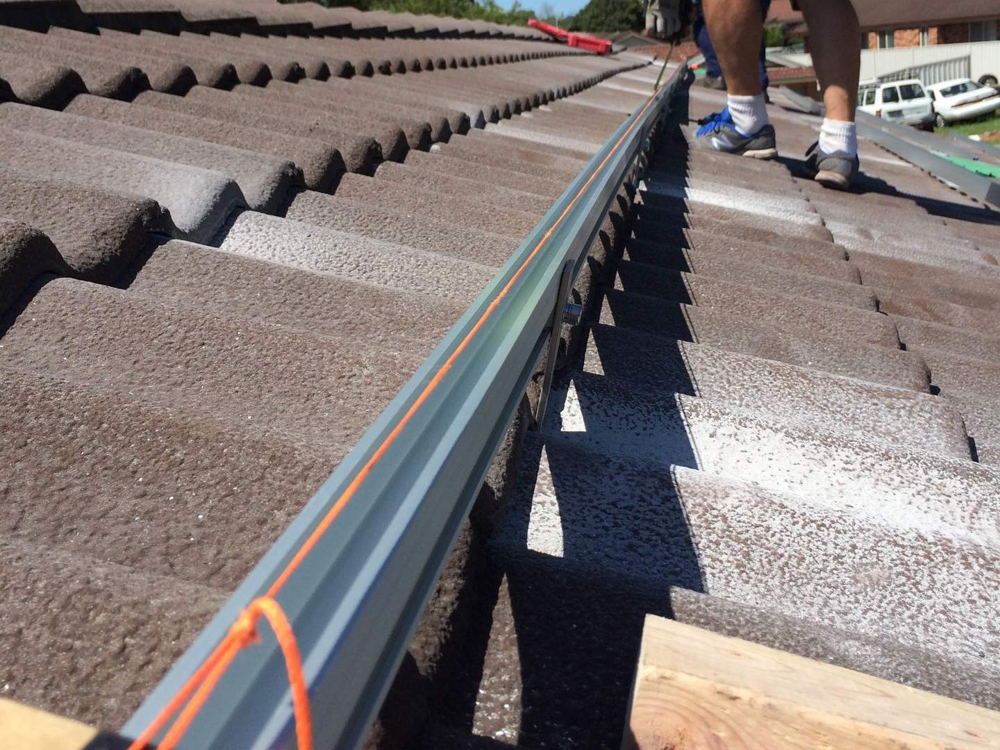 Solar Installation Quality - Leveling Rails